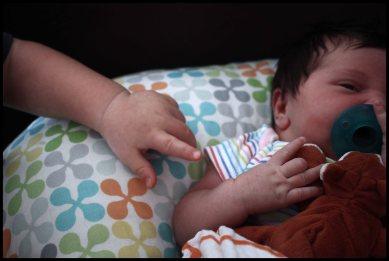 pillow-hands
